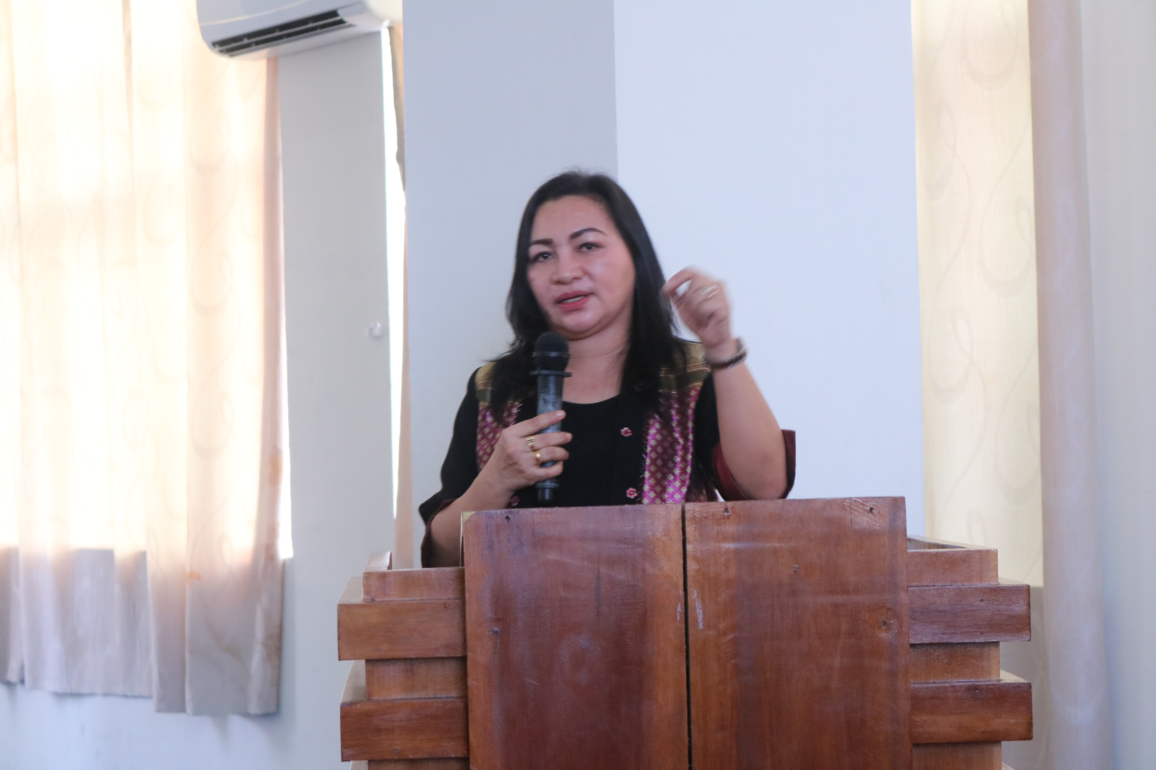 Pdt. Dr. Jeane Tulung, S.Th., M.Pd