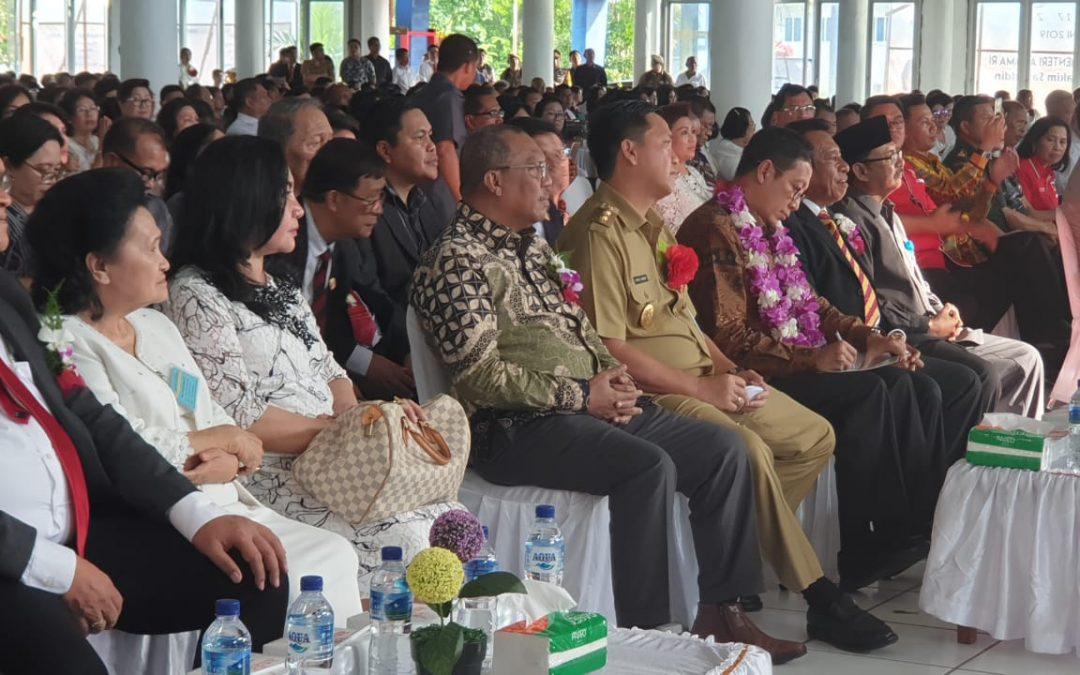 Menteri Agama, Dirjen Bimas Kristen dan Rektor IAKN Manado Hadiri Perayaan hari Pentakosta Nasional PGPI